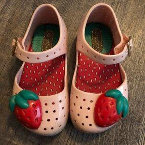 Pink strawberry mini melissas